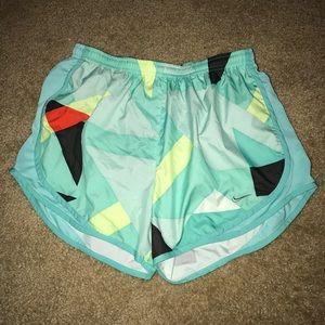 NWOT Nike Tempo Women's Size Medium Running Shorts